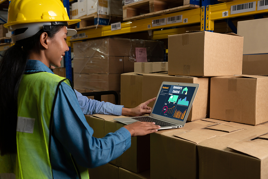 Warehouse worker using ERP System